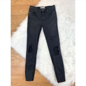 Free People Charcoal Skinny Ankle Length Jeans AP2